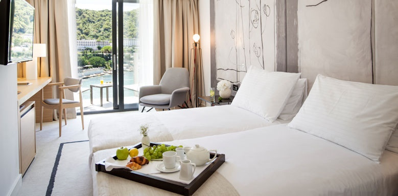 hotel kompas, superior room