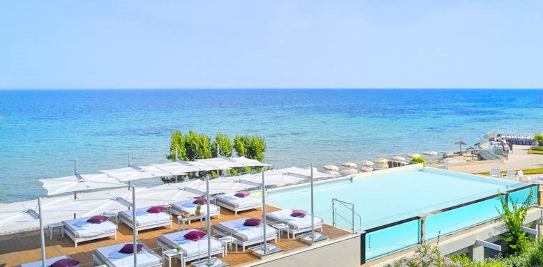 Hotel Pineta, Infinity pool aerial
