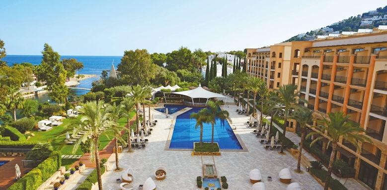 Fenicia Prestige Suites & Spa, pool and exterior