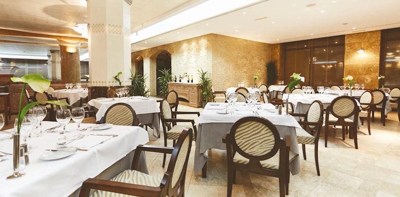 Fenicia Prestige Suites & Spa, restaurants