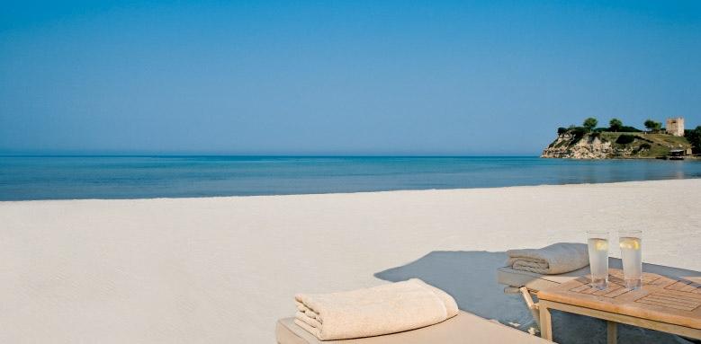 Sani Asterias Suites, beach