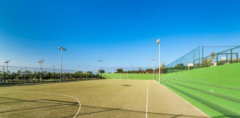 Insotel Punta Prima, football