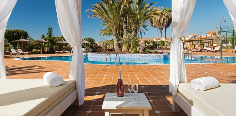 Elba Palace Golf and Vital Hotel, swimming pool and sun beds