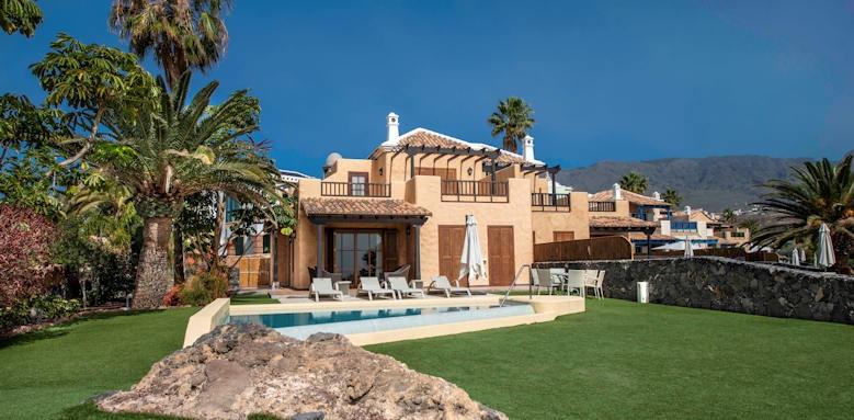 Hote Suite Villa Maria, pool