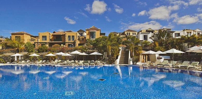 Hotel suite villa maria, pool and exterior