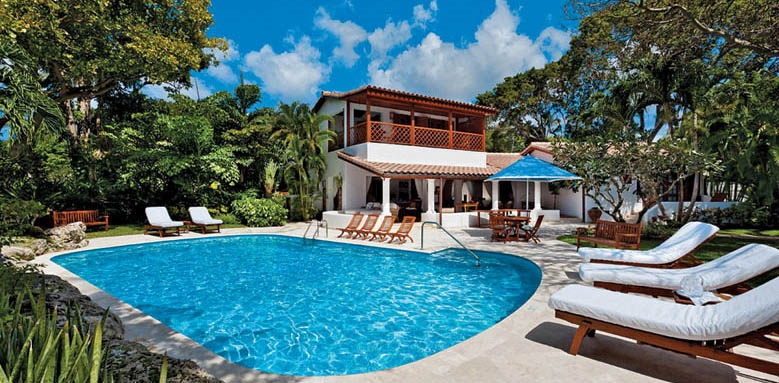Blue Point, exterior and pool