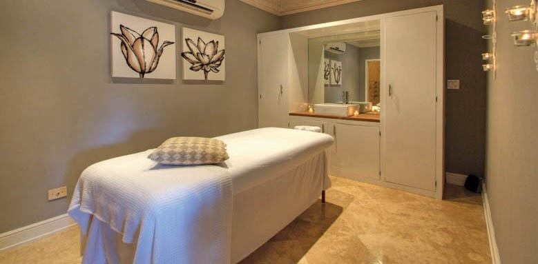 Little Good Harbour, spa treatment room