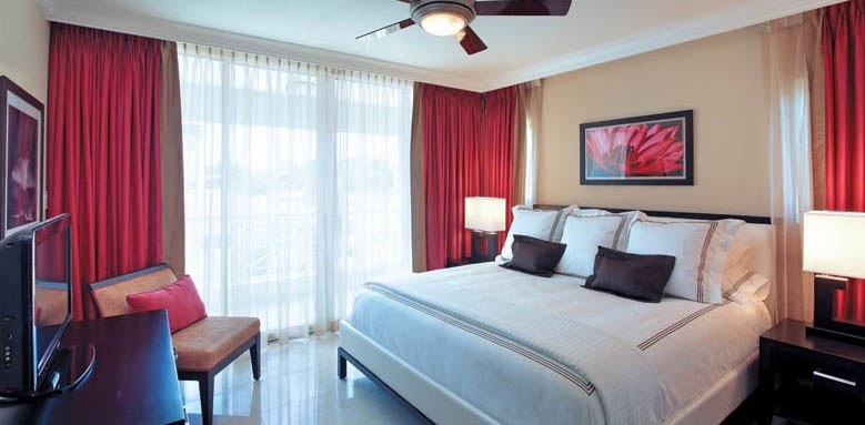 Ocean Two Resort and Residences, one bedroom contemporary room