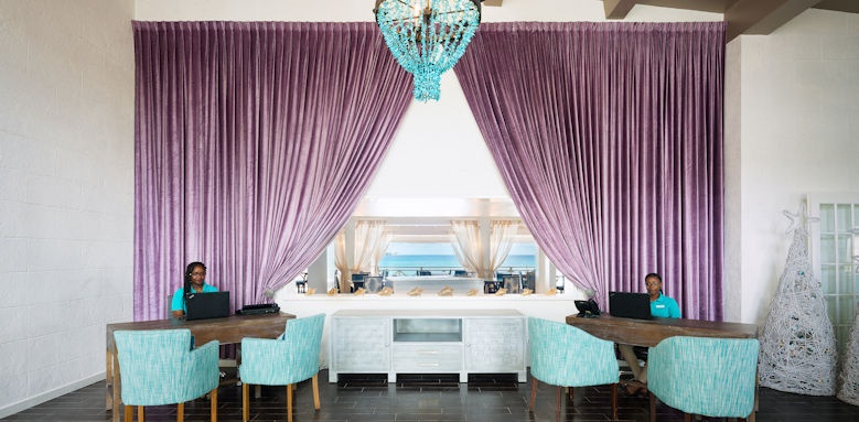 Sea Breeze Beach House, reception