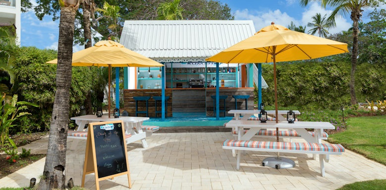 Sea Breeze Beach House, de rum shop cafe
