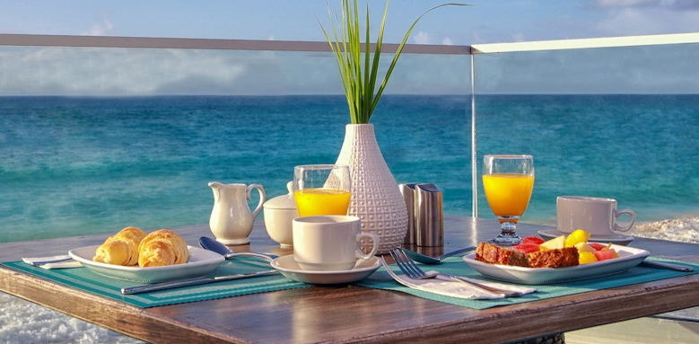 Sea Breeze Beach House, breakfast