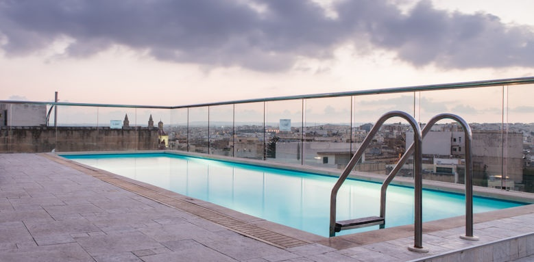 The Victoria Hotel, Rooftop Pool