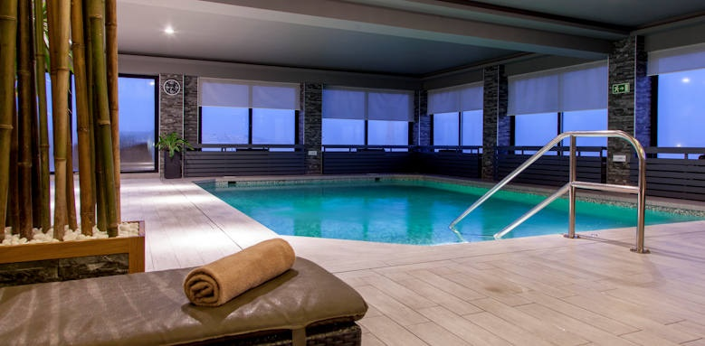 Victoria hotel, indoor pool