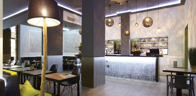 City Hotel, bar