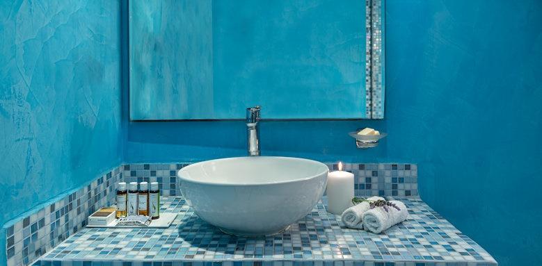 Santorini Kastelli Resort, bathroom