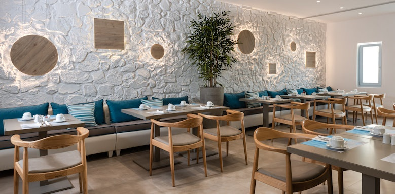 Santorini Kastelli Resort, main restaurant