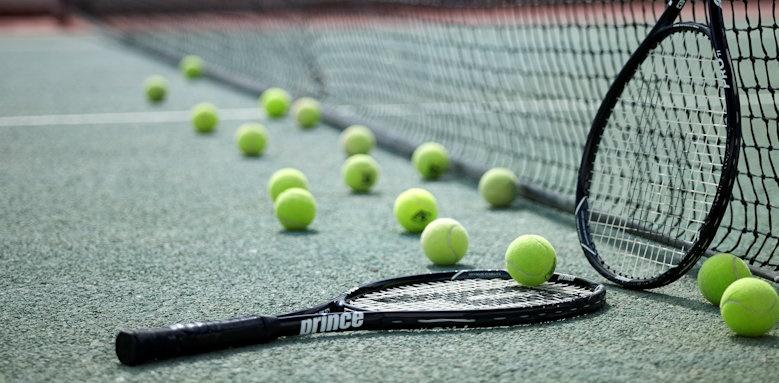 Santorini Kastelli Resort, tennis area