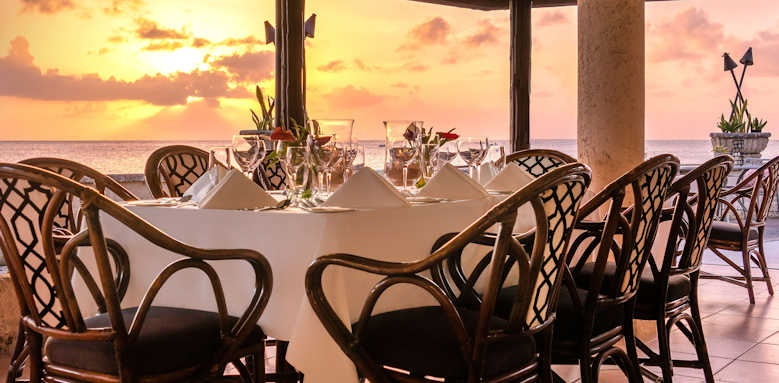 coral reef club, sunset dining
