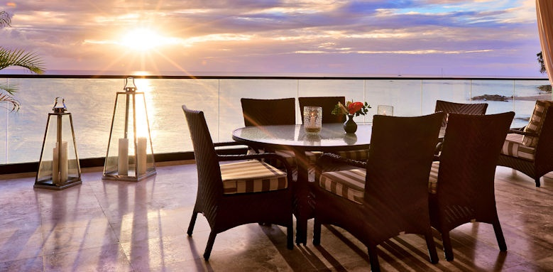 the sandpiper, sunset dining