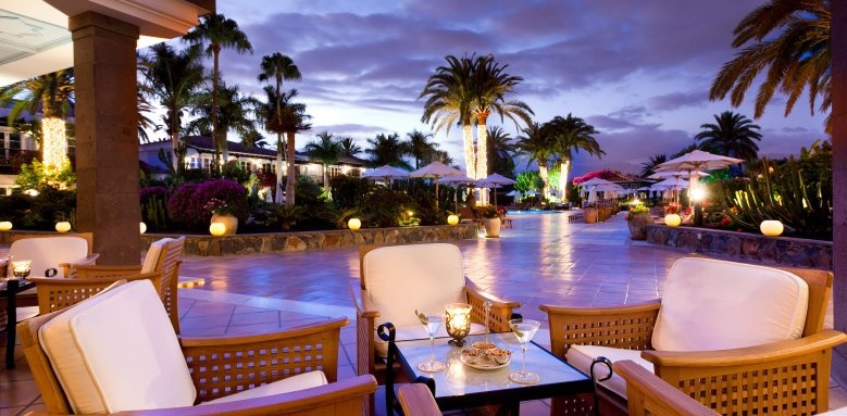 Seaside Grand Hotel Residencia, piano bar terrace