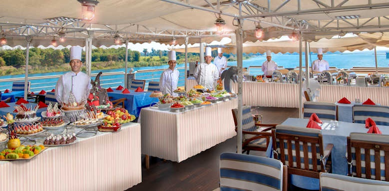 sonesta st george, sun deck buffet