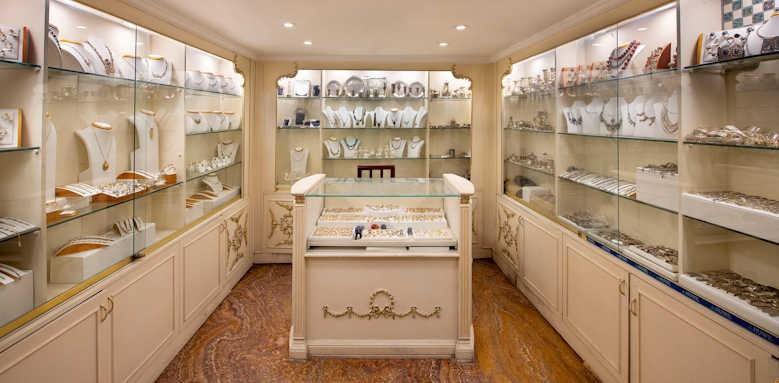 sonesta st george, bazar shop jewelry