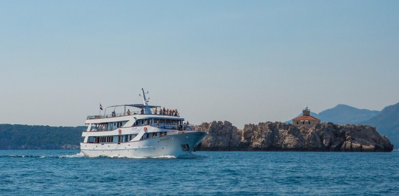 MS Splendid, Boat