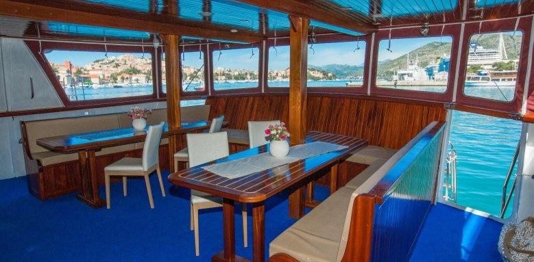 MS Splendid, Restaurant