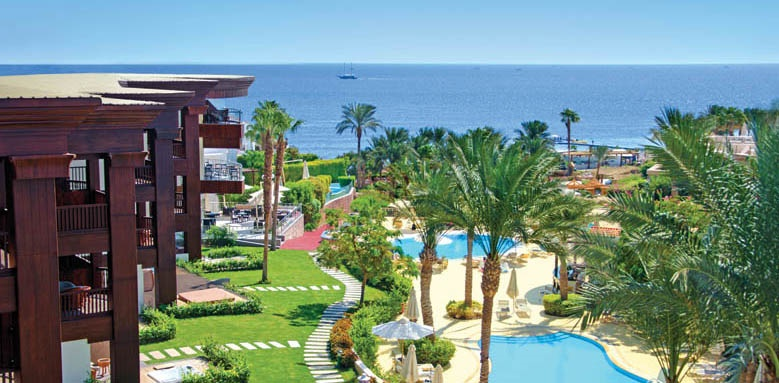 Royal Savoy Hotel And Villas, overview