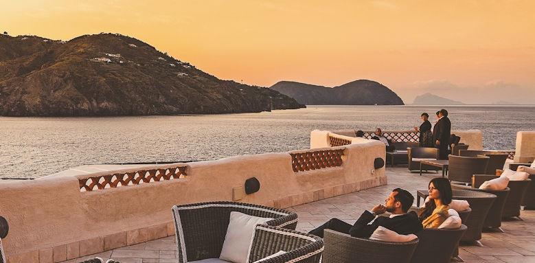 Therasia Resort, the terrace