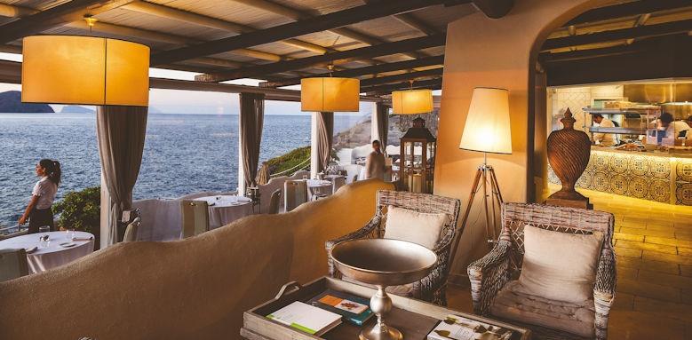 Therasia Resort, lounge