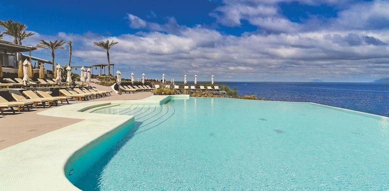Therasia Resort, pool area