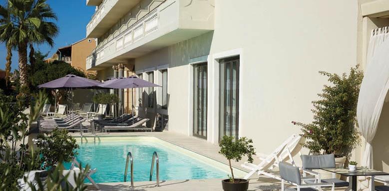 Mayor Mon repos Palace, pool