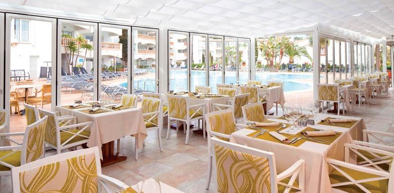La Pergola Aparthotel, restaurant