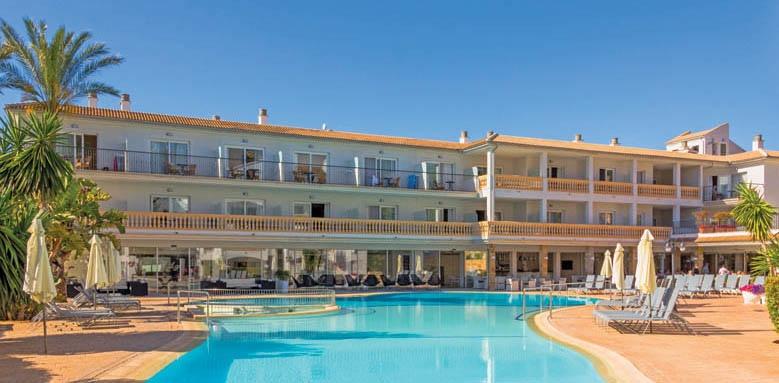La Pergola Aparthotel, pool & exterior