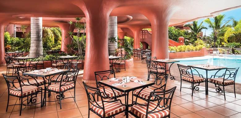 Sheraton La Caleta Resort & Spa, restaurant terrace