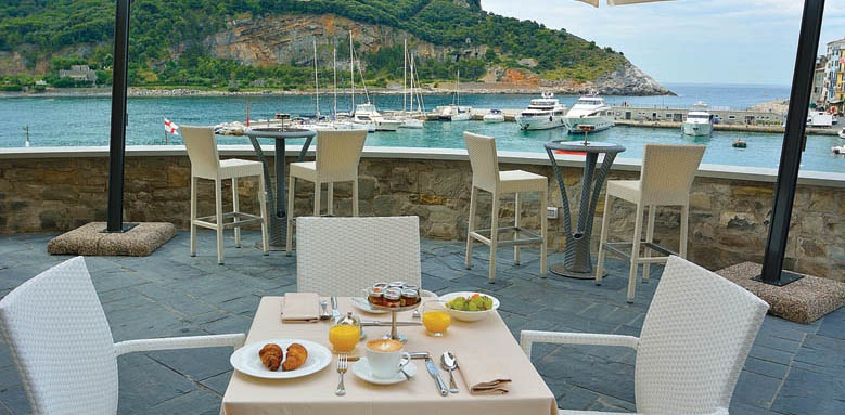 Grand Hotel Portovenere, restaurant terrace