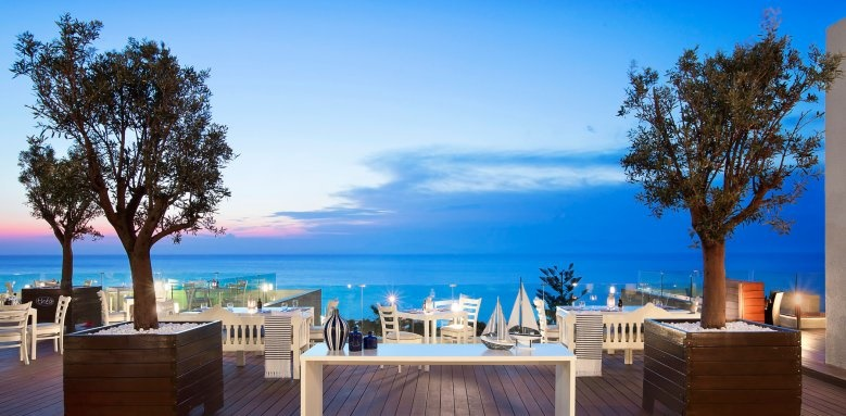 Sheraton Rhodes Resort, thea restaurant