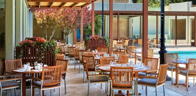 Sheraton, Castellania Restaurant