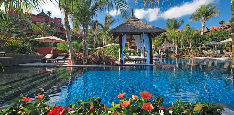 Barcelo Asia Gardens & Thai Spa, gardens & pool