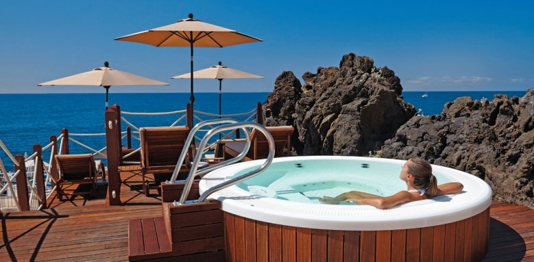 The Cliff Bay, jacuzzi