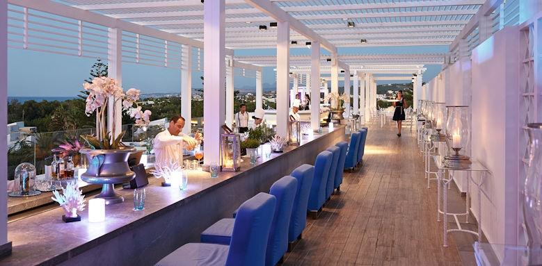 Creta palace, sky bar