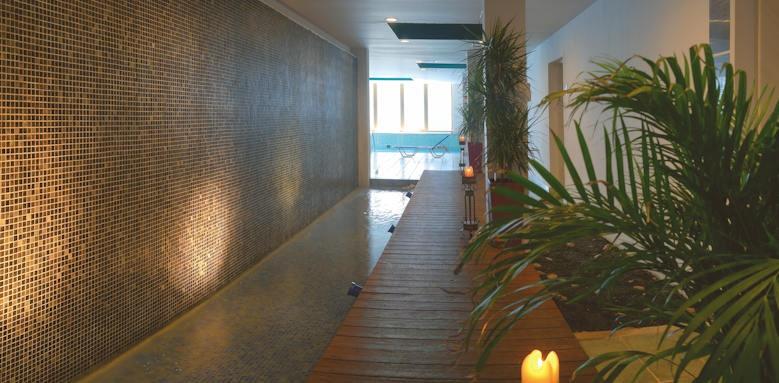 Rhodes Bay Hotel, indoor pool