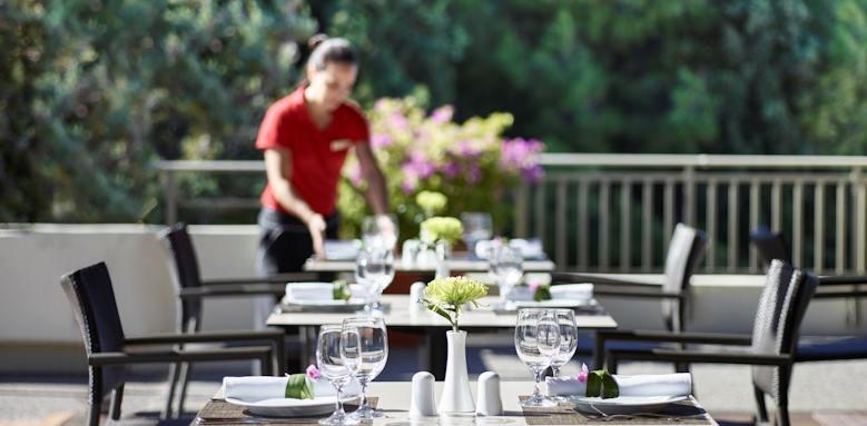 Rhodes Bay Hotel, restaurant