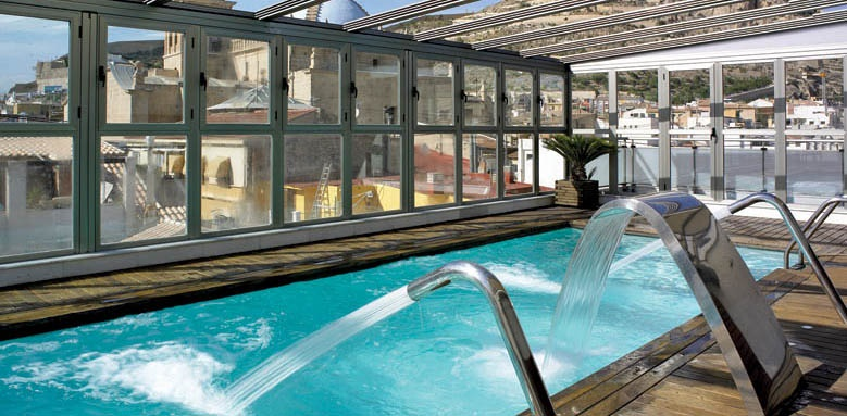 Hospes Amerigo, pool