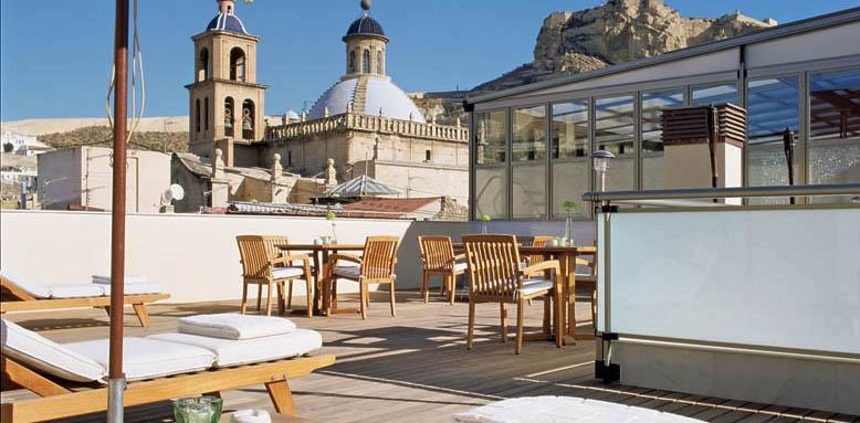 Hospes Amerigo, roof terrace