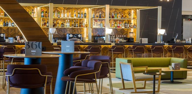 Gran Hotel Sol y Mar, 360 bar