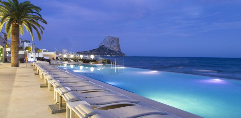 Gran Hotel Sol y Mar, beach club pool