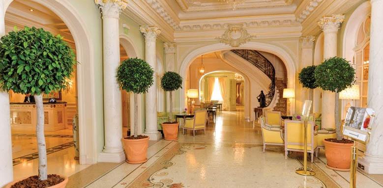 Hotel Hermitage, hallway