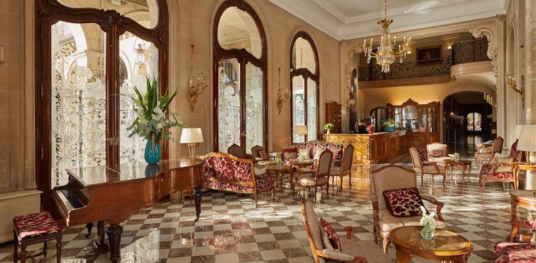 Hotel Regina Paris, Hall Image